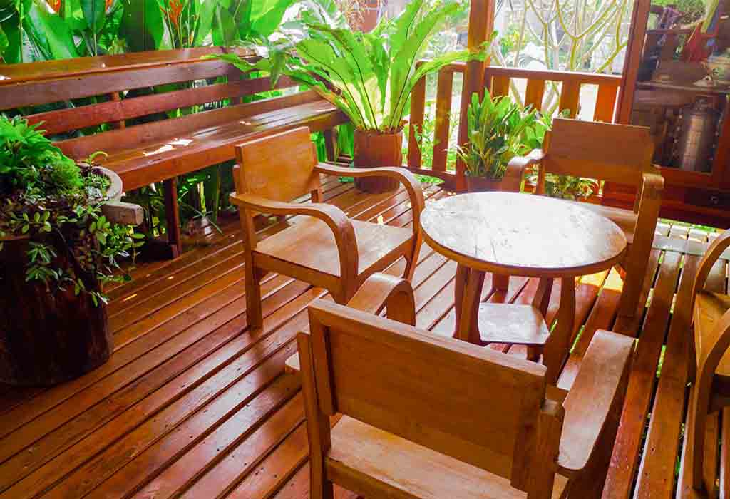 Keep safe your costly furniture from termite by using these home remedies