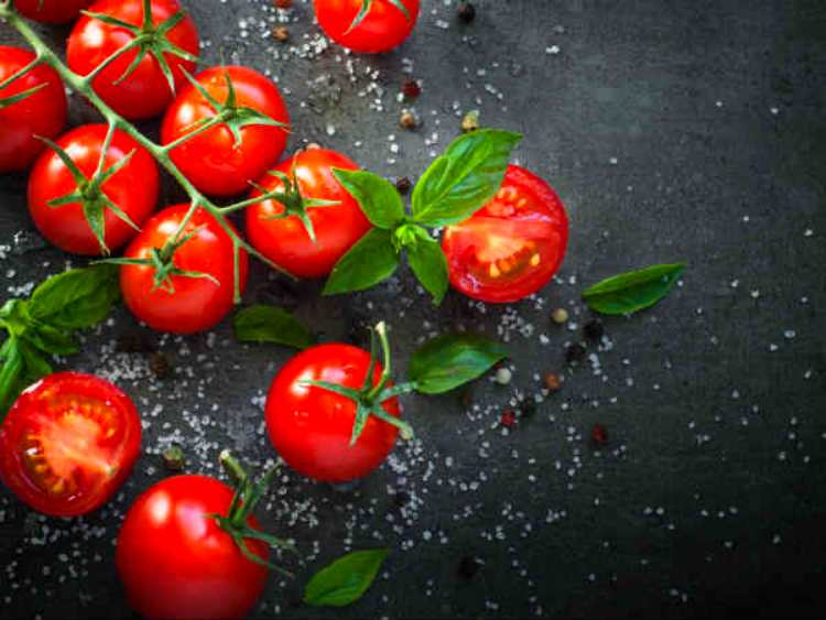 Tomato keep safe you from disease, known its benefits
