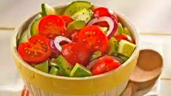 Eating cucumber and tomato together is risky