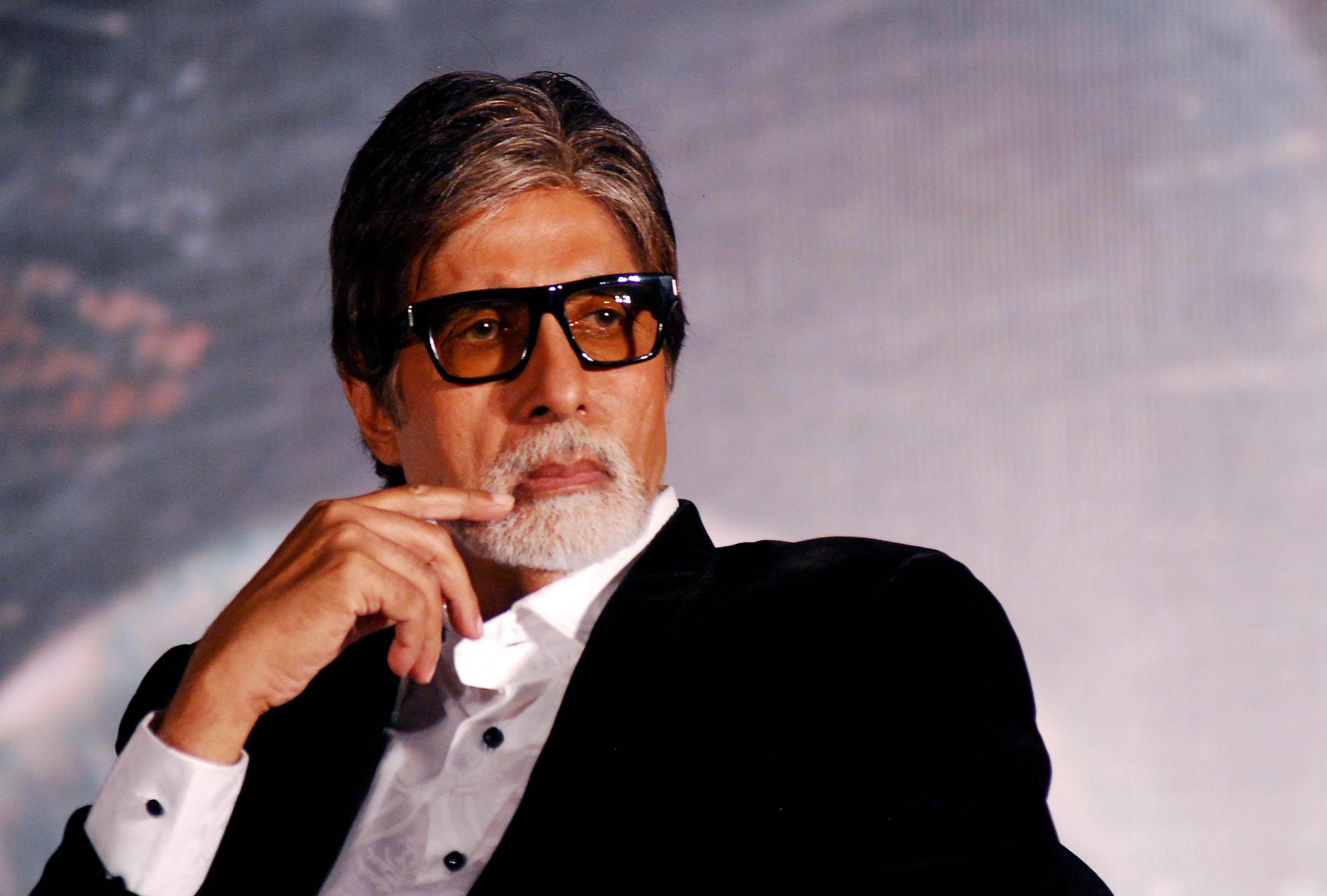 Bollywood Ke Mahanayak Amitabh Bachchan Biography