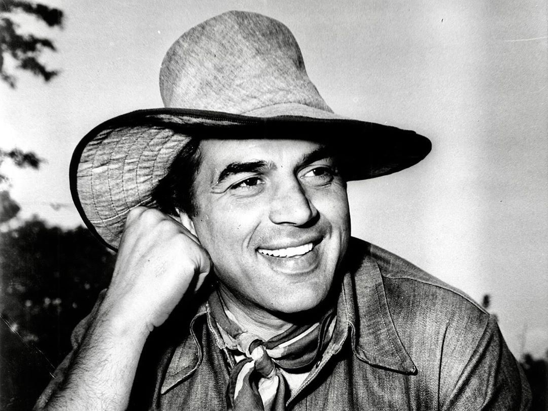 Sholay Dharmendra biography